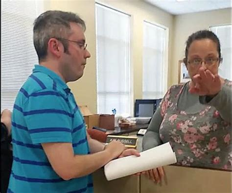 Davis County Clerk S Office by Kentucky Clerk Refuses To Issue Marriage Licenses To Same