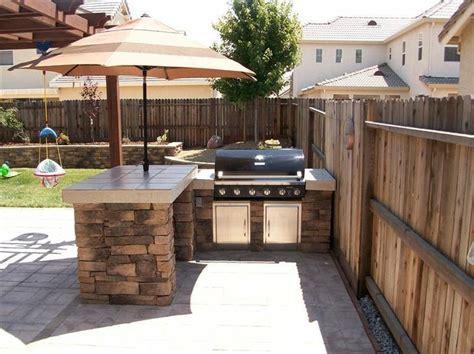 Kleiner Garten Gestaltung 2862 by Umbrella Stand In Outdoor Kitchen Grillunterstand