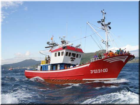 imagenes de barcos navegando barco pesquero navegando carmen 2009