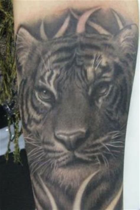 queenstown tattoo white tiger black and white tiger tattoo on arm tattoomagz
