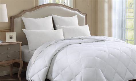 how to fluff a comforter 5 easy steps for fluffing your comforters overstock com