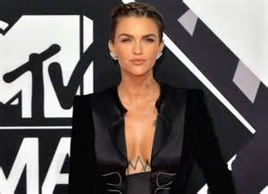 ruby rose gives gender inclusive greeting at mtv emas