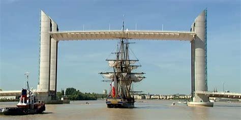 le bateau hermione a bordeaux l hermione 224 bordeaux de sacr 233 s souvenirs pour l 233 quipage
