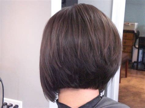 photos of the back of short angled bob haircuts back view of stacked bob haircut beauty pinterest
