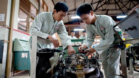 Toyota School For Mechanics Indonesia Vocational Skills And Asian