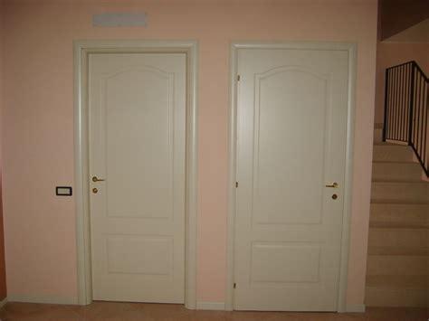 telaio porte interne porte interne con telaio tondo e cornici bombate infix
