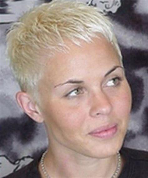 tendances coiffurecoiffure femme tres courte les plus