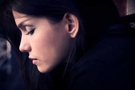 dark haired women beautiful dark haired woman beth trissel
