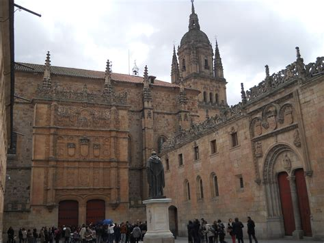 universidad de salamanca universidad de salamanca file salamanca universidad patio de escuelas jpg