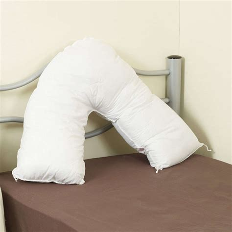 How To Sleep With Av Shaped Pillow by V Shaped Nursing Pillow With A Nrs Healthcare