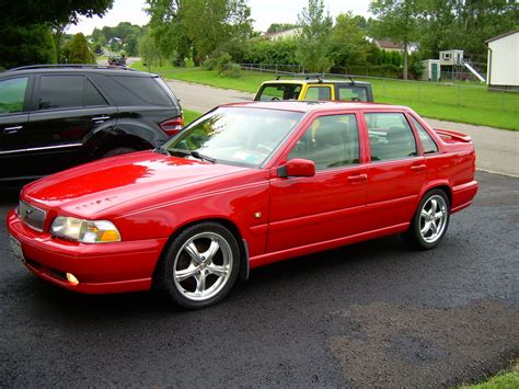red volvo 1998 volvo s70 red 200 interior and exterior images