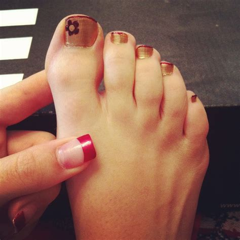 whays the latest in toe nail polish what is trendiest toenail polish what is trendiest