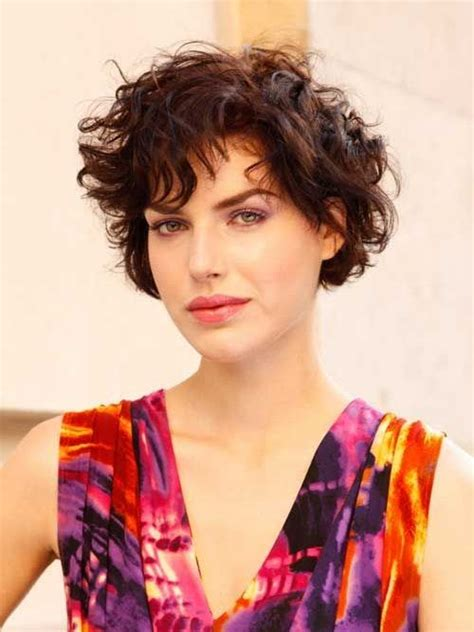 can women with oval faces and thick hair wear really short hair styles hairstyles for oval faces download short wavy hairstyles