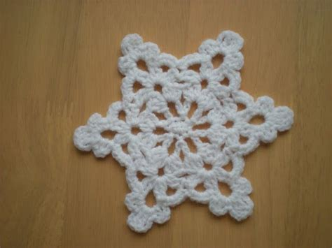 snowflake patterns crochet easy 1000 ideas about crochet christmas decorations on