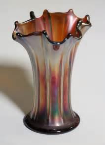 file carnival glass vase jpg wikimedia commons
