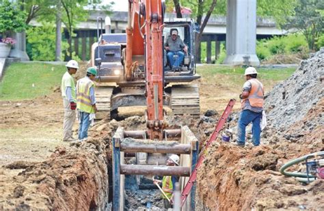 Columbus Light Water by Cl W Laying Sewer Lines At Riverwalk The Dispatch