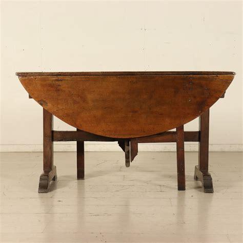tavolo a tavolo apribile a bandelle mobili in stile bottega