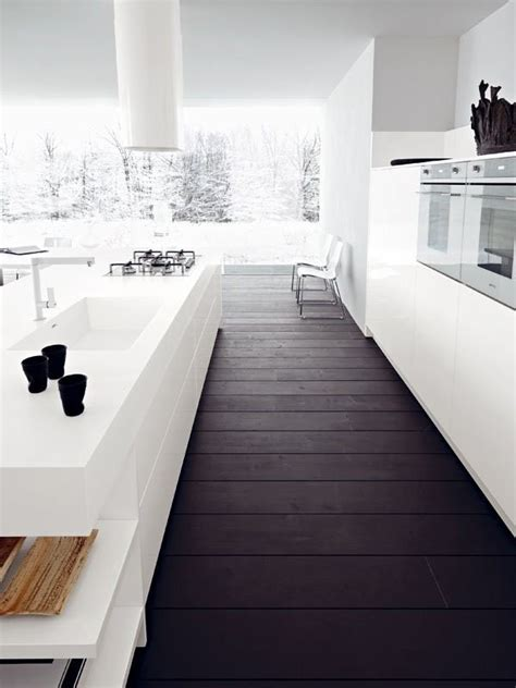 cuisine blanche parquet parquet opter pour un parquet fonc 233 maison
