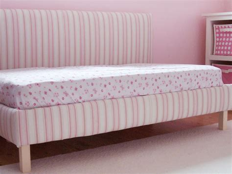 Diy Day Bed by Diy Upholstered Toddler Daybed Hgtv