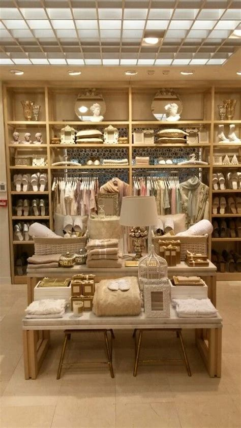 home decor accessories store 25 best ideas about merchandising displays on