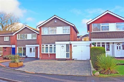 3 bedroom houses for sale in redditch 3 bedroom detached house for sale in charlecote close