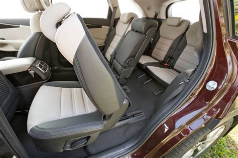 Kia Sorento Seating 2015 Kia Sorento On Sale In Australia From 40 990
