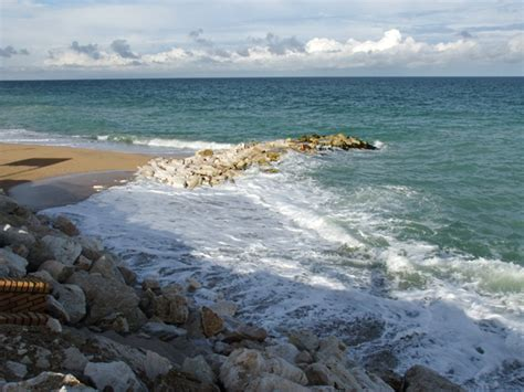 incontri porto recanati sondaggi sui pennelli litorale di scossicci