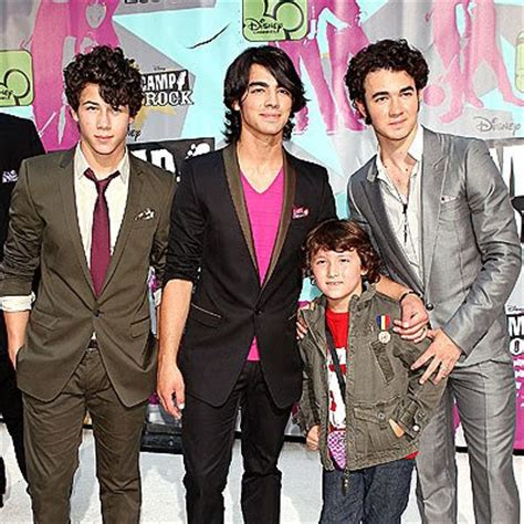 7 Reasons To The Jonas Brothers by Jonas Brothers Pictures