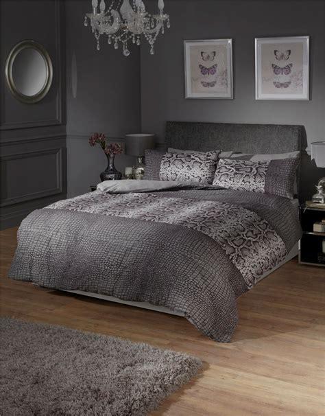 snake bedding black and grey snake skin style quilt duvet cover