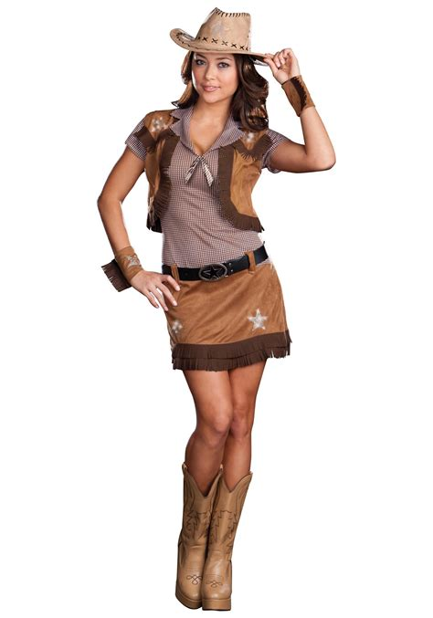 Cowgirl Outfits   25 Ideas on How to Dress like Cowgirl