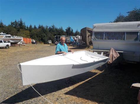 trimaran hull zeta trimaran hits the water small trimarans