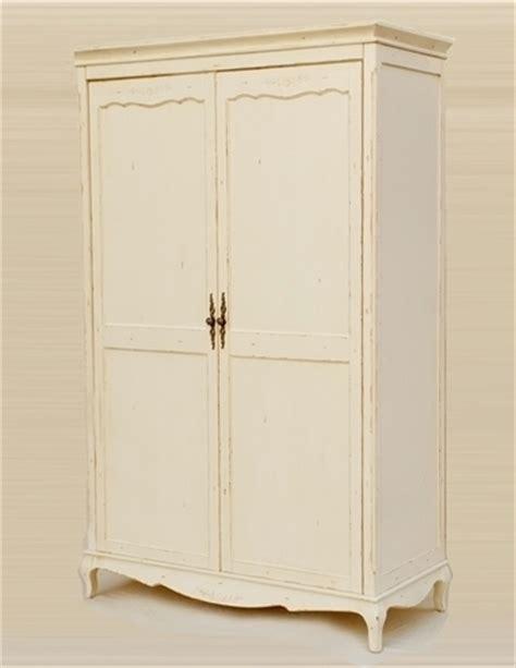 armadio bianco decapato armadio provenzale decapato mobili etnici provenzali