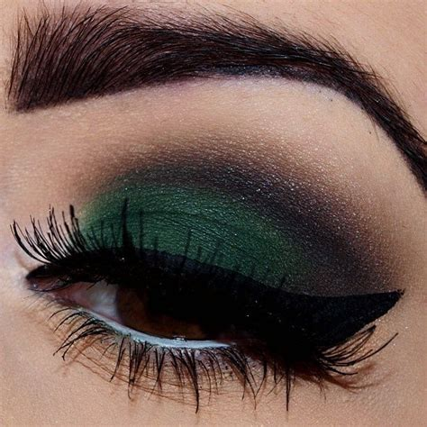 Promo City Color Photo Chic Eyeliner Pencil Green Limited the most winter shadows