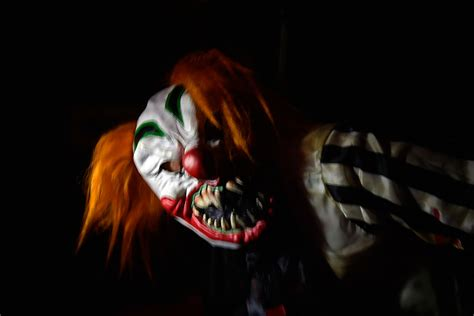 frightmares sends in the clowns unravel