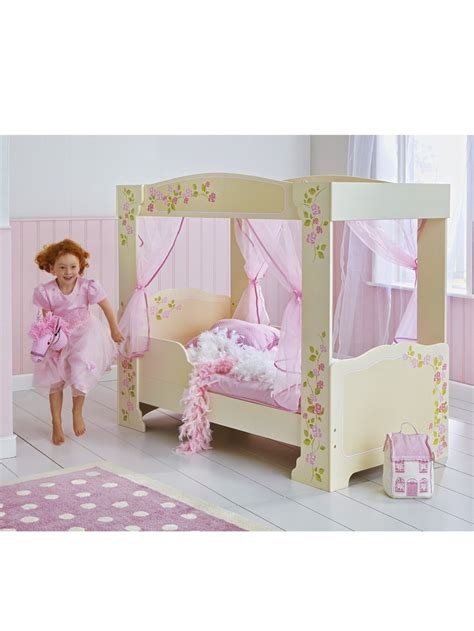 bed for toddler girl 1000 images about lovely toddler beds on pinterest bed rails toddler bunk beds and toddlers