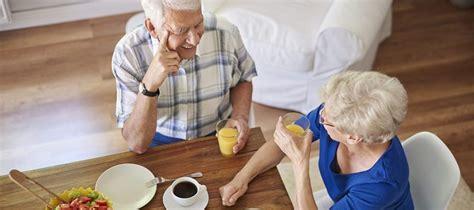 alimentazione anziano alimentazione nell anziano dieta mediterranea e compagnia