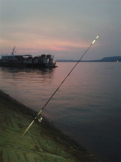 Joran Pancing Xzoga napi pancingan santai di pantai lumut perak