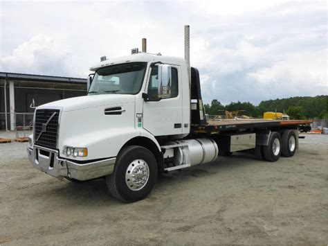 2009 Volvo Vhd64b200 For Sale Used Trucks On Buysellsearch