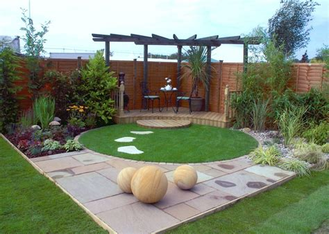 small modern backyard small contemporary garden google search landscaping