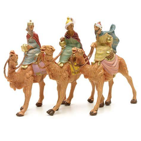 fotos reyes magos en camellos tres reyes magos en camello 6 5 cm fontanini venta