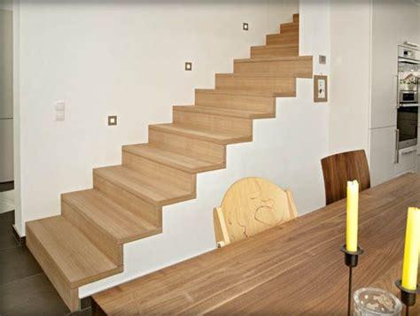 scale rivestite in legno per interni 17 migliori idee su ringhiere delle scale in legno su