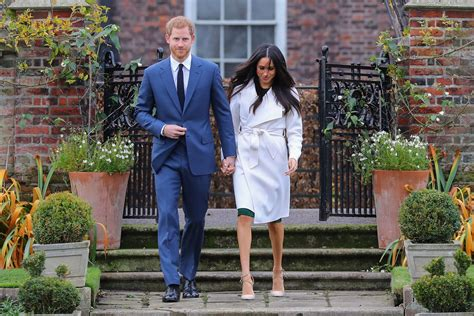 prince harry meghan see prince harry and meghan markle s official engagement
