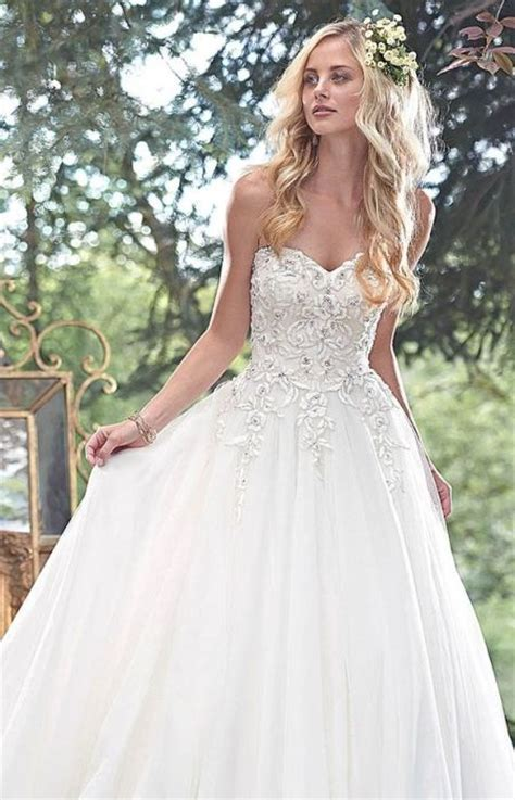 Wedding Dress Styles For Hair by 73 Unique Wedding Hairstyles For Different Necklines 2017