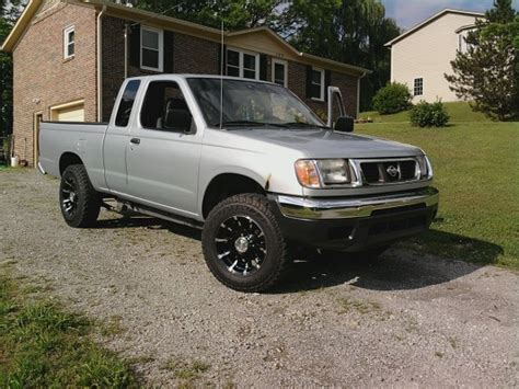 2000 nissan frontier custom 2000 nissan frontier 4 500 possible trade 100315265