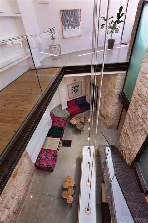 stone house salon ancienne maison en pierres r 233 nov 233 e de la cave 224 la terrasse en isra 235 l construire