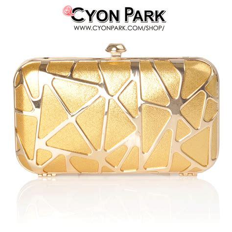 Tas Wanita Clutch Hikaru Warna Gold Desain Mewah Cantik beli tas pesta terbaru ya di cyonpark aja butik shop tas pesta belt wanita cyonpark