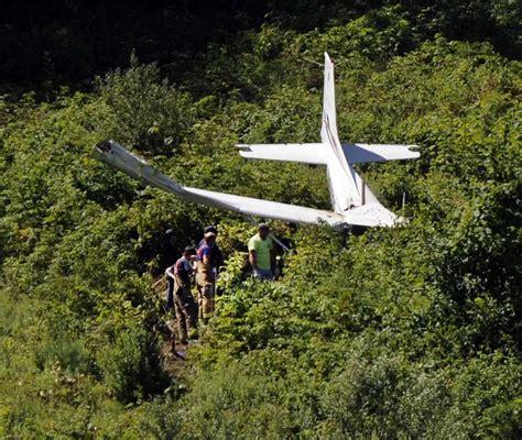 plane crash plane crashes near danbury airport sunday morning newstimes