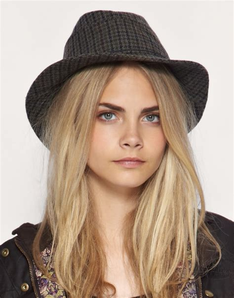 cap styles for women stylish hat trends 2011