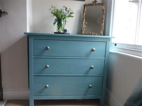 chalk paint en muebles ikea revive a chest of drawers with sloan s provence