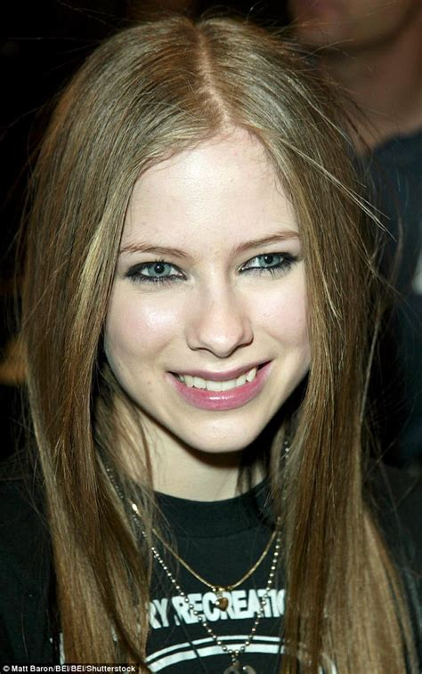 female singer dying conspiracy theory that avril lavigne died sweeps internet